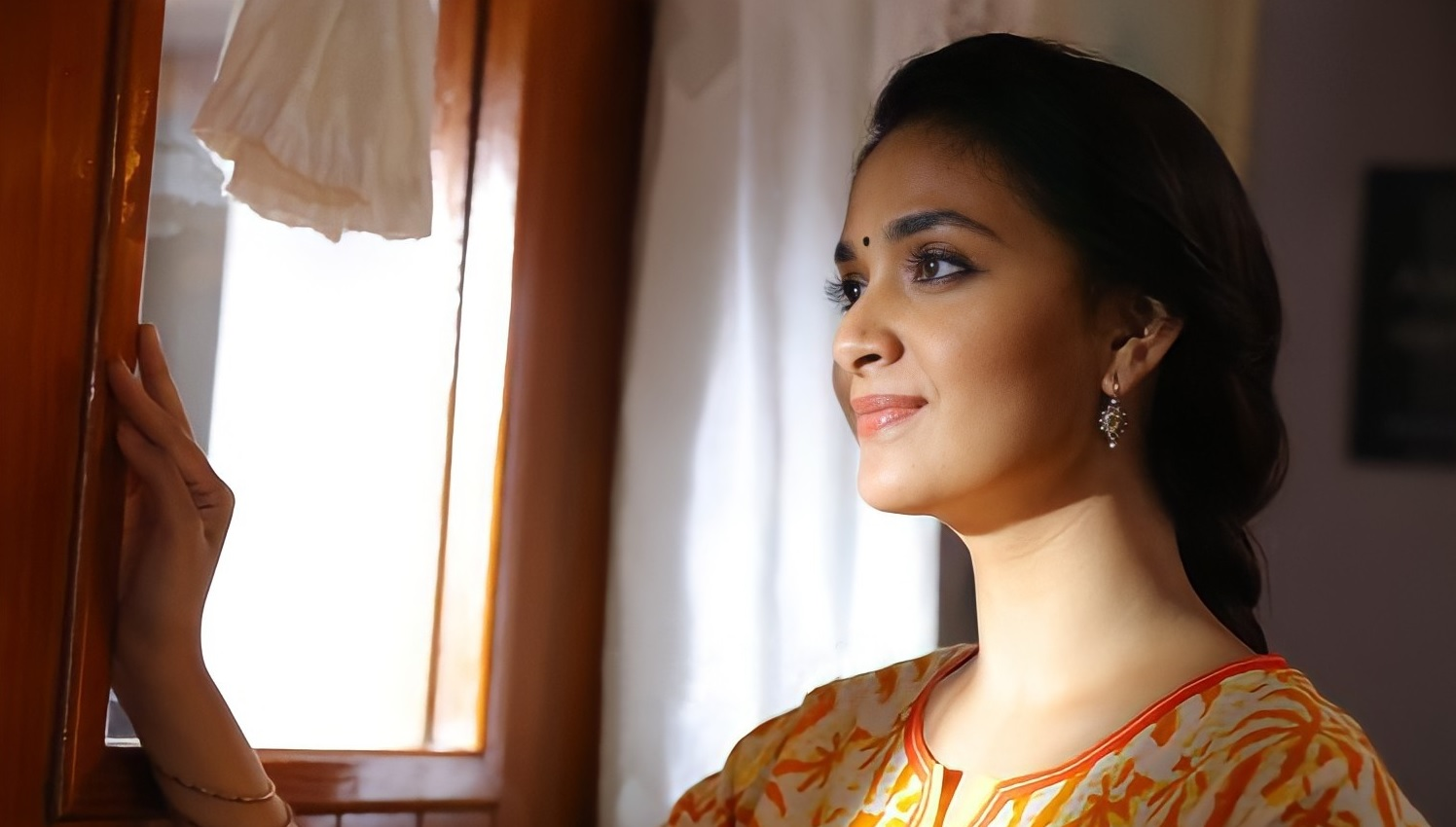 Keerthy Suresh Awesome Pretty Looks New HD Stills from Miss India 1