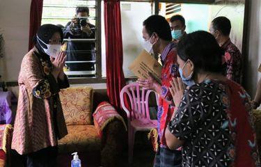 607fbc4a547bd Kemensos memberikan 67,5 juta rupiah kepada korban luka-luka akibat ledakan bom Makassar