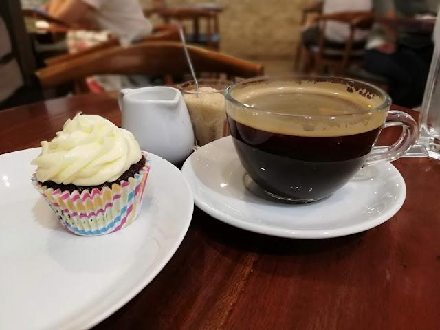 red velvet cupcake lucca bakery bethgstories