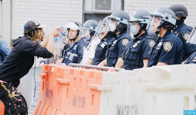رئيس بلدية نيويورك يعلن عن تمديد حظر التجوال الليلي في المدينة الى غاية يوم الأحد المقبل بعد انزلاق الاحتجاجات✍️👇👇👇