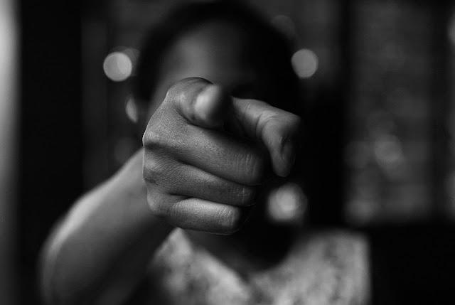 Vítimas de violência doméstica no Pará podem fazer denúncia durante isolamento soc  Adicionar legendaial