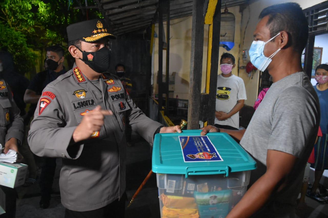 Panglima TNI-Kapolri Bagi-bagi Sembako di Solo, Tokoh Papua: Apa Wali Kotanya Sudah Tidak Mampu?