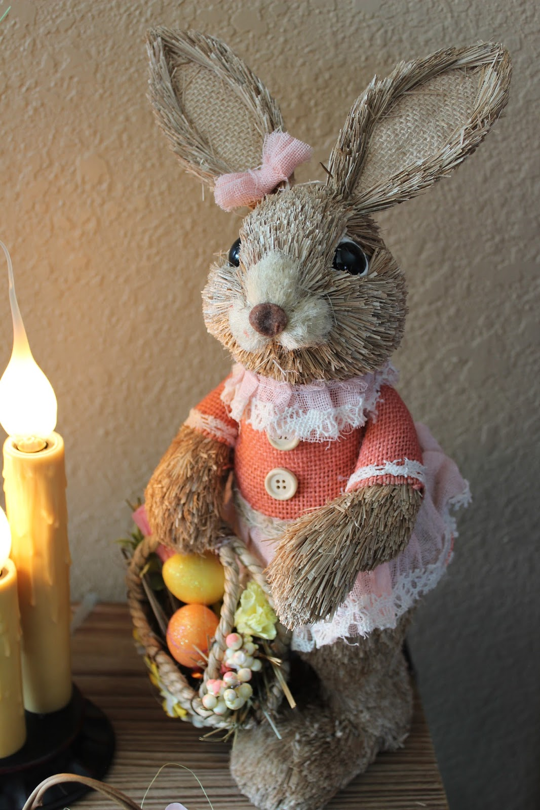 Living on Cloud Nine: EASTER DECOR....HOP ON OVER