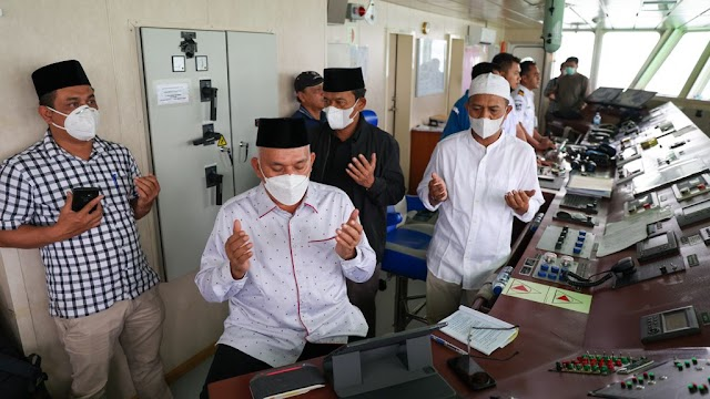 Kali Ini, Sekda Ikut Zikir dan Do'a dari Lambung Kapal Aceh Hebat 1