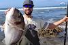 Ψάρεψε τσιπούρα τέρας πάνω από 6 κιλά με καλάμι