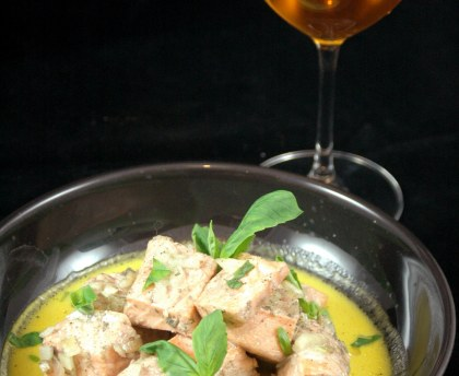 Sliced salmon with cider and saffron
