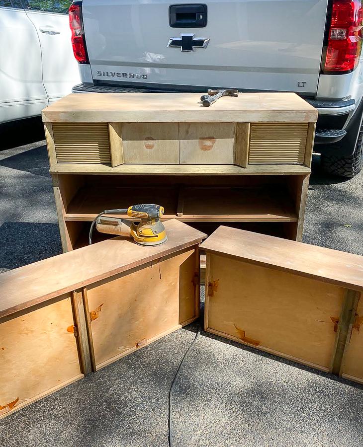 Sanding dresser