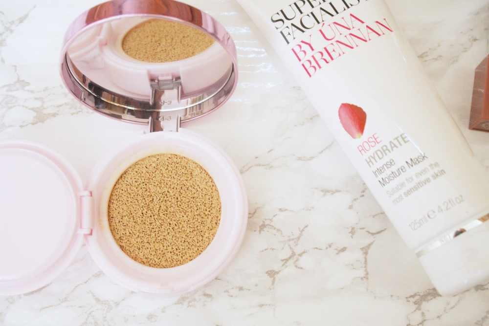 Review || L'Oreal Nude Magique Cushion Foundation