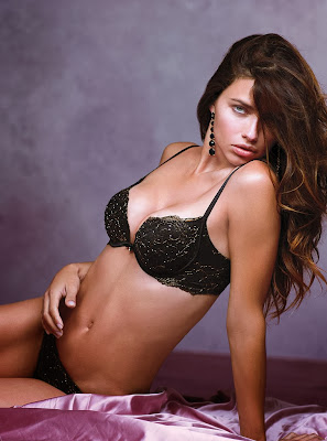 Adriana Lima look hot in Victoria's Secret lingerie photoshoot