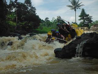 Rafting di Cisadane Bogor