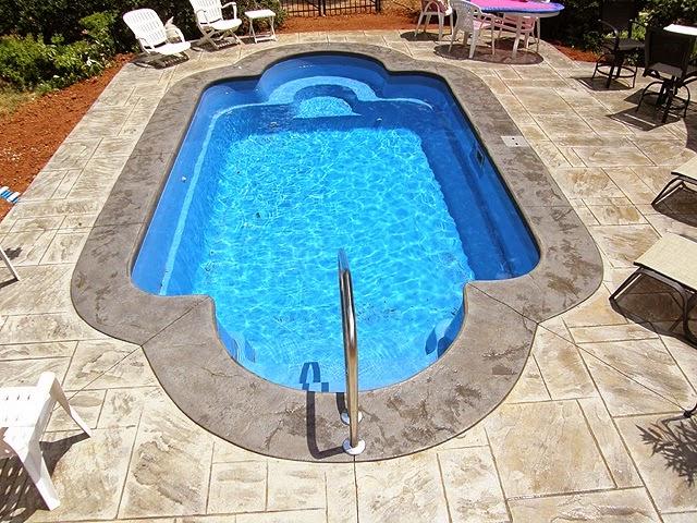 Piscinas lindas y modernas en fotos piscinas precios - Costo piscina chiavi mano ...