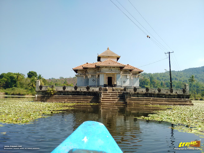 Approaching the Lake Temple, in the boat
