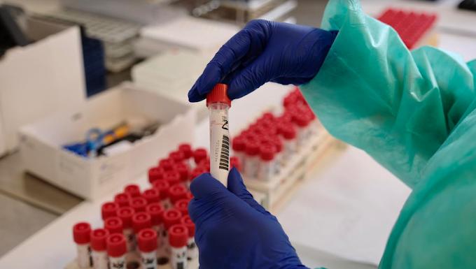 Coronavirus: oggi 24.099 nuovi contagi e 814 morti