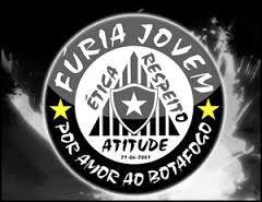 O mascote da Fúria Jovem do Botafogo é um cachorro 1fcfcc3aff693