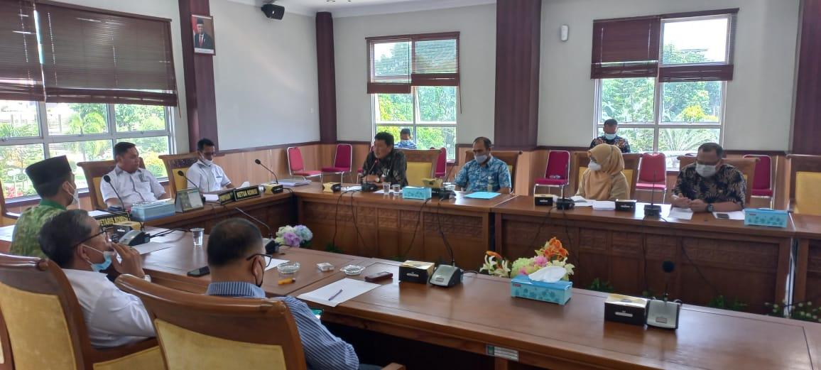 Komisi IV DPRD Batam Harapkan Disdik Kota Batam Dalam PPDB TP 2021/2022 Mengakomodir Siswa Yang Kurang Mampu