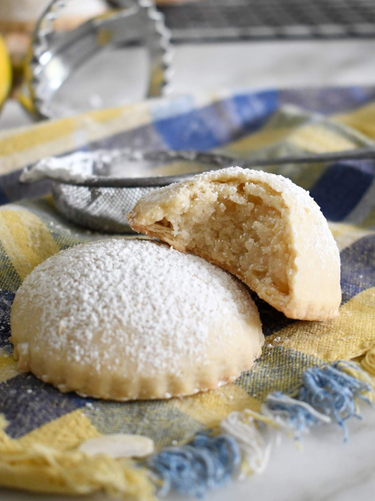 Almond Ravioli Cookies