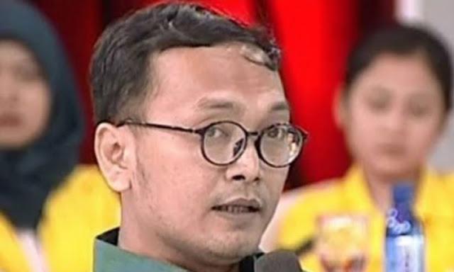 Guntur Romli Sebut Sandi Petualang Politik, Netizen: Dia Lagi Nampol Capresnya Sendiri