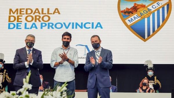 El Málaga CF recibe la Medalla de Oro de la Provincia