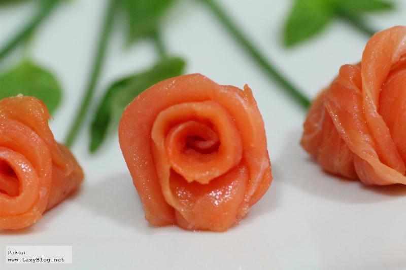 Lazy blog c mo hacer un ramo de rosas de salm n ahumado receta - Cena romantica ligera ...