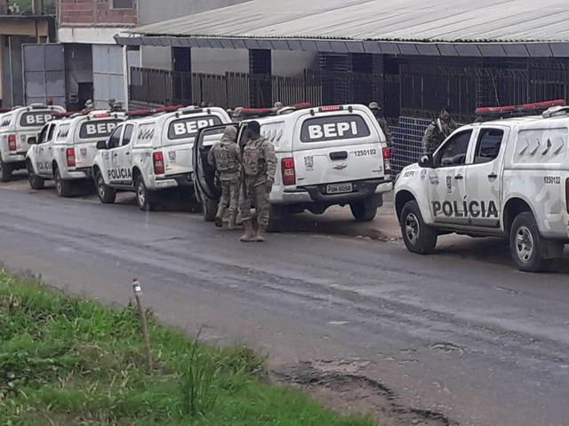 Polícia consegue recapturar quatro dos 27 fugitivos do presídio de Limoeiro