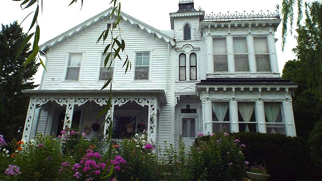 Sweet House Dreams 1871 Victorian In Mineral Point Wisconsin