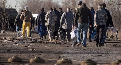 """Донбасские """"республики"""" намерены передать Украине группу удерживаемых лиц"""