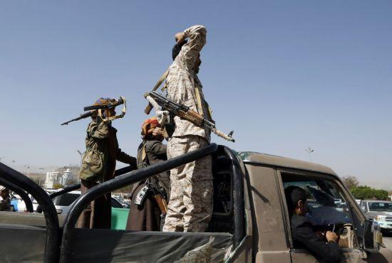 사우디, 후티반군 장악 예멘 수도 폭격