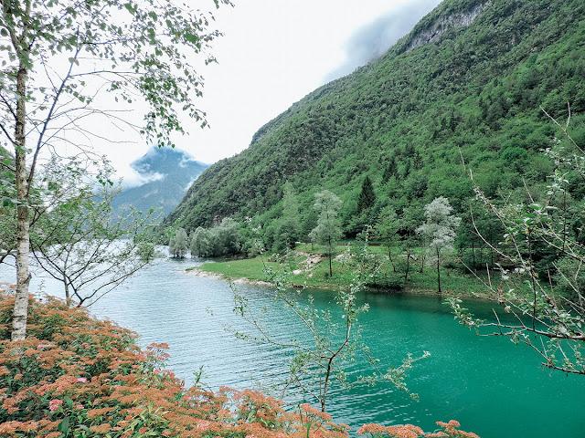 vista sulla vallata e sul Lago del Mis