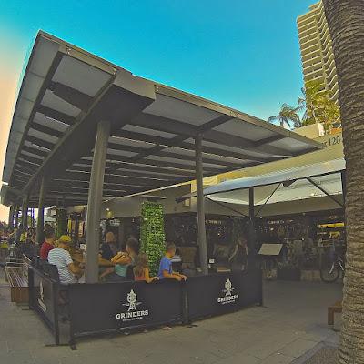 Charlie's Cafe & Bar Surfers Paradise