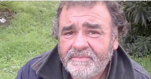 Cet homme a disparu pendant 8 ans jusqu'à ce que sa famille le retrouve d'une façon totalement insolite. Bouleversant!