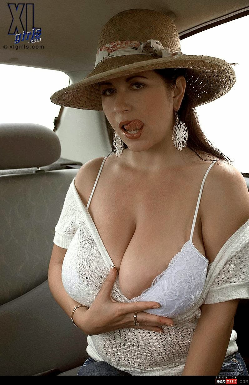 Sexy Nude Big Boobs Pic