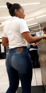 Morena buenas caderas pantalon liso