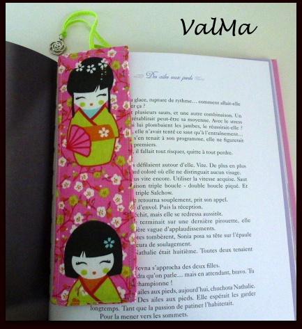couture marque pages kokeshi en tissu pour livres les cr as de valma. Black Bedroom Furniture Sets. Home Design Ideas