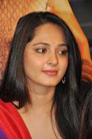 Anushka Shetty at Rudramadevi Trailer Launch HeyAndhra