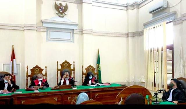 Miris! Gara-gara Tulisan Resep Dokter Tak Jelas, 2 Karyawan Apotek Diseret Sampai Pengadilan