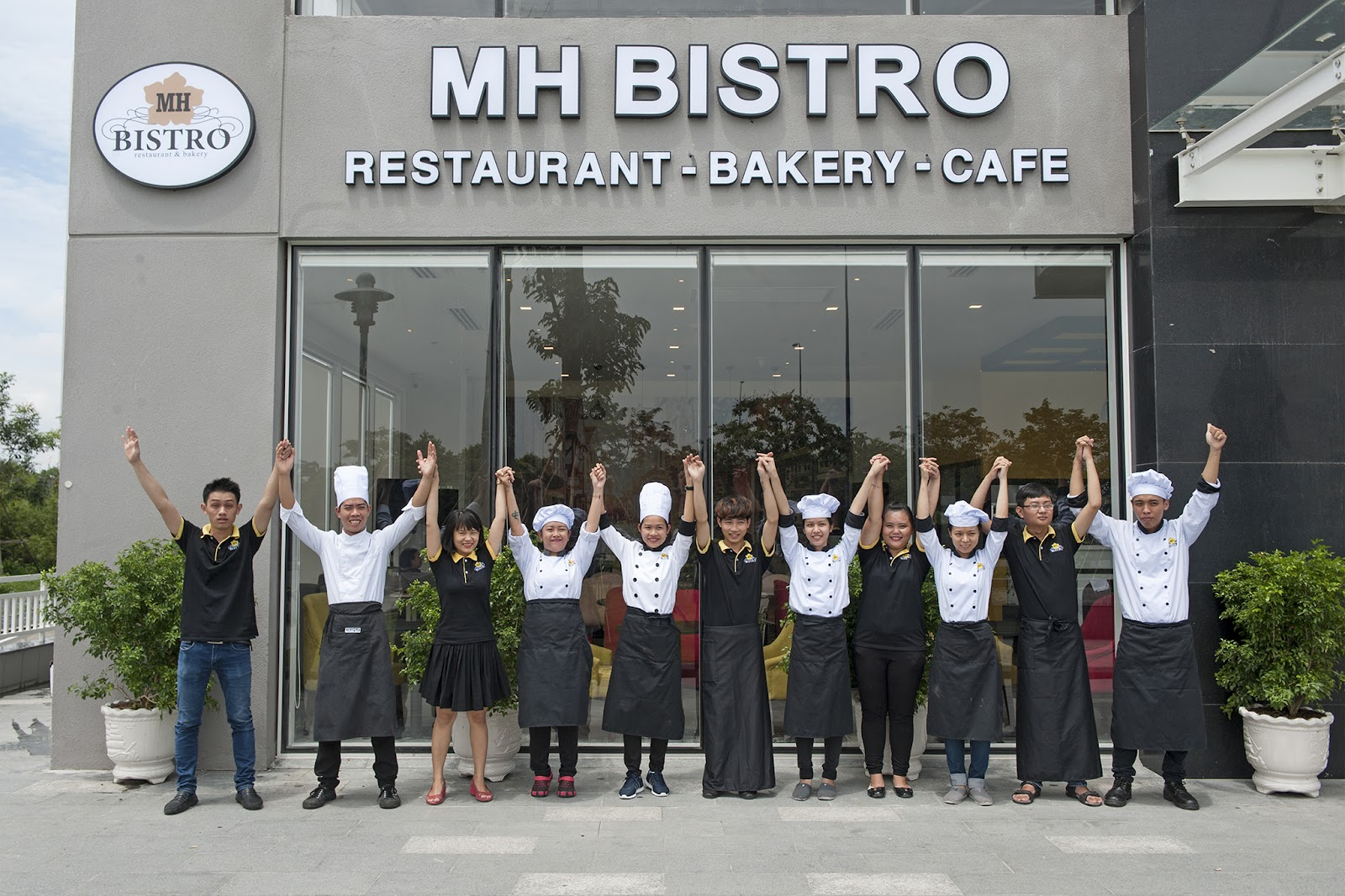 MH Bistro - Western and Asian Fusion Restaurant