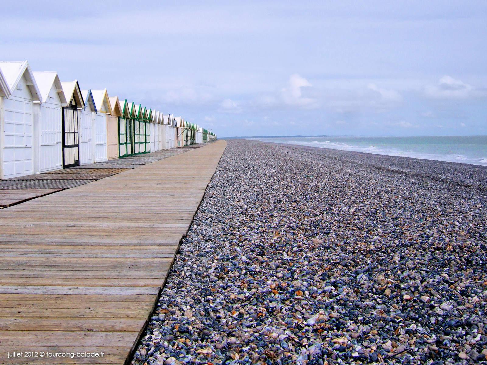Cayeux-sur-Mer - Cabines de bain et chemin de planches