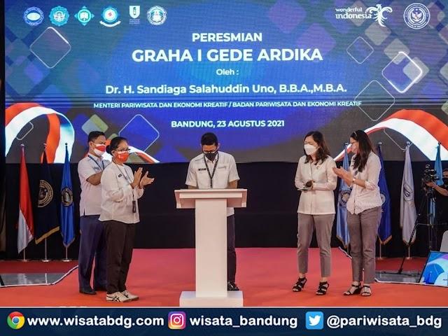 Sandiaga Uno Resmikan Graha I Gede Ardika di STP NHI Bandung