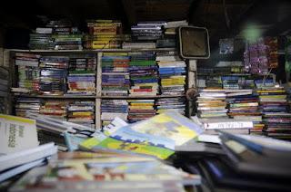 Bagaimana Memilih Buku