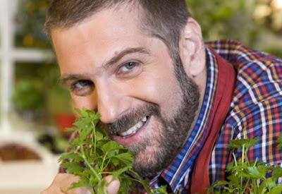 Immagine dello chef Sergio Maria Teutonico sorridente