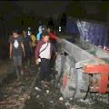 Ditabrak KA di Martubung, Truk Kontainer Terseret Sejauh 20 Meter