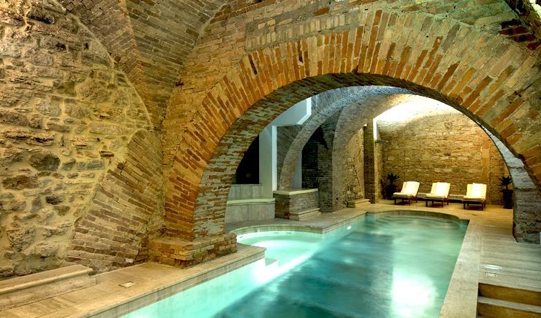 Piscinas de lujo luxury swimingpool for Piscinas en interiores de casas
