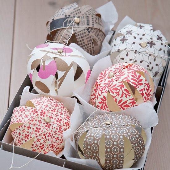 How to Make Paper Baubles