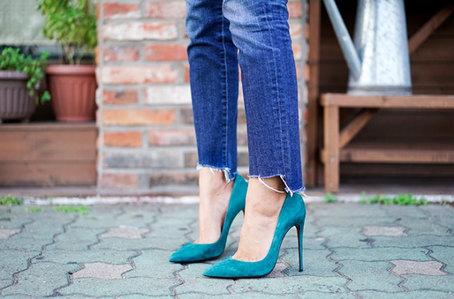 Tacos altos, high heels denim raw hem