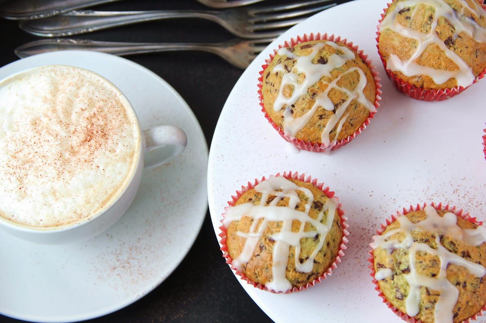 Susse Zucchini Muffins Mit Schokolade Und Zitronenguss Kirschbiene