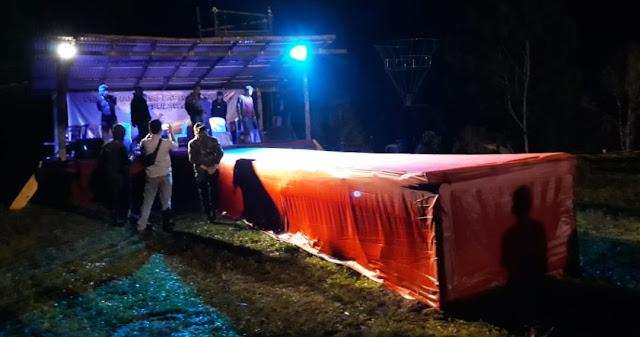 Tak Punya Izin, Polisi Bongkar Panggung Ajang Kontes Duta Parawisata Waria di Pongtorra