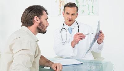 طاقم البصريات لفحص خطط استحقاقات المرضى قبل التوثيق