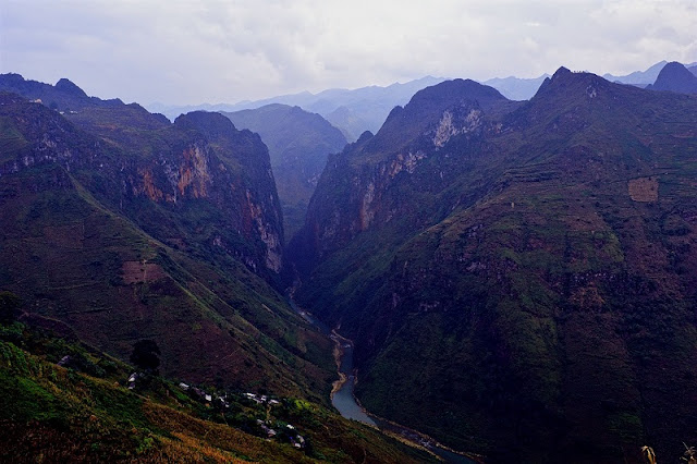 """Explore the """"deepest canyon in Southeast Asia"""" in Vietnam"""