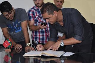 Marcus Dîôgo toma posse por trinta dias como prefeito interino de Guarabira
