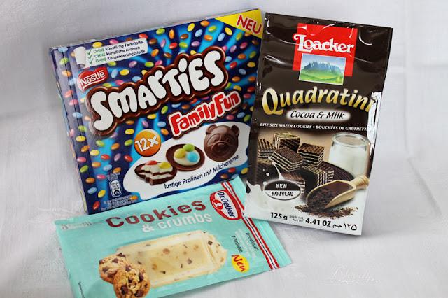 Smarties FamilyFun, Dr. Oetker Cookies & Crumbs und Loacker Quadratini Cacao & Milk